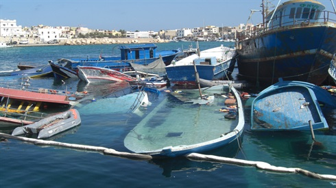 Lampedusa: submerged immigrant boat