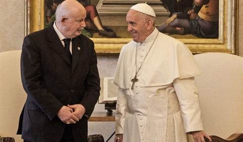 Grand Master Dalla Torrie in audience with Pope Francis